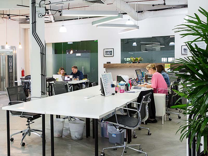 coworking-in-singapore-daily-desk-hire