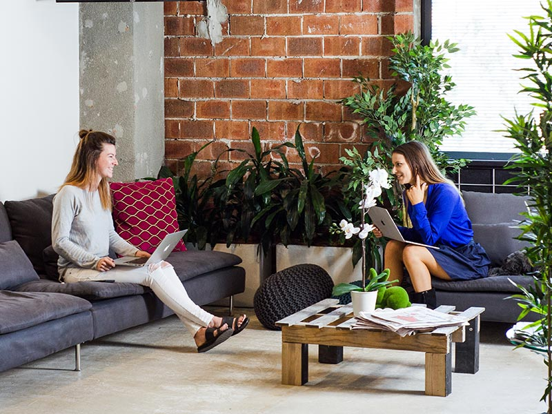 pyrmont-coworking-people-working-in-breakout-area3